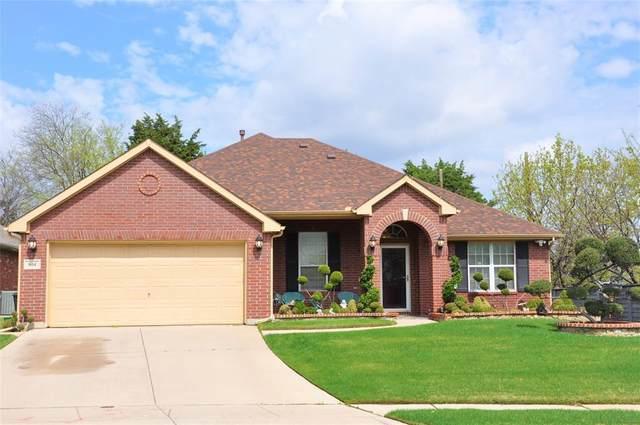 804 Roaring Springs Road, Grand Prairie, TX 75052 (MLS #14306343) :: RE/MAX Landmark