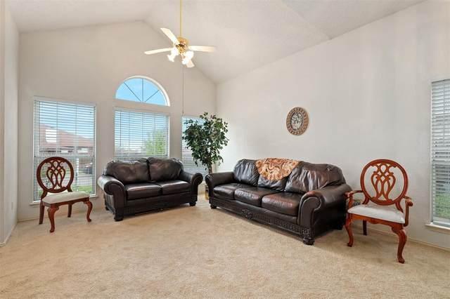 1008 Brook Canyon Drive, Arlington, TX 76018 (MLS #14306510) :: The Hornburg Real Estate Group