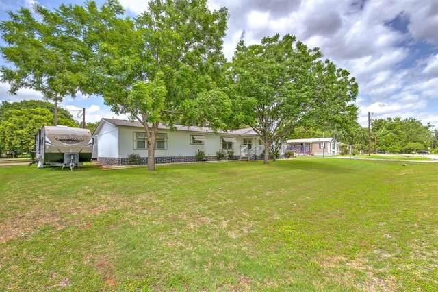 1707 E Apache Trail, Granbury, TX 76048 (MLS #14306650) :: RE/MAX Landmark