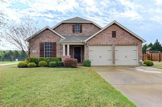 411 Edgewood Court, Forney, TX 75126 (MLS #14306770) :: The Mauelshagen Group
