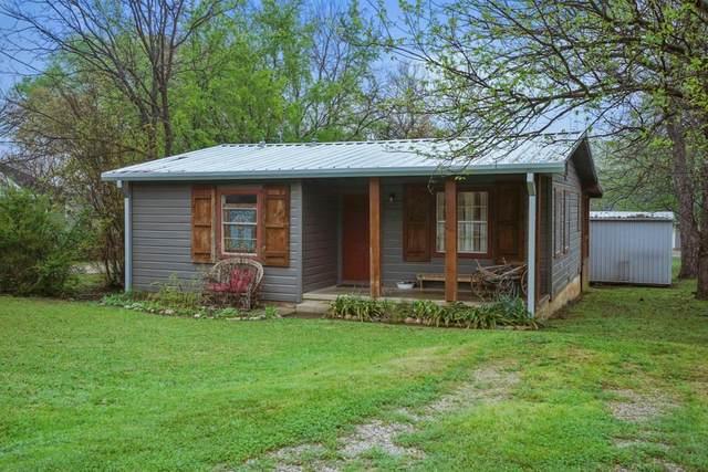 401 Collins Street, Argyle, TX 76226 (MLS #14307317) :: Post Oak Realty