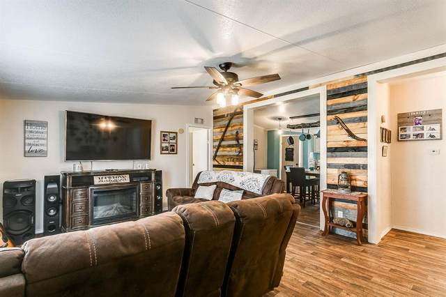 240 Pr 3762, Springtown, TX 76082 (MLS #14307837) :: Post Oak Realty
