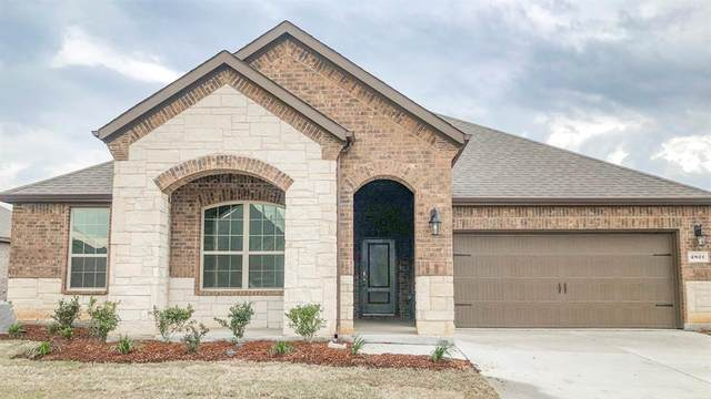 2821 Lake Valley Drive, Aubrey, TX 76227 (MLS #14307972) :: Real Estate By Design