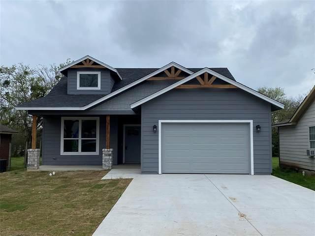 307 Huron, Cleburne, TX 76031 (MLS #14308024) :: Potts Realty Group