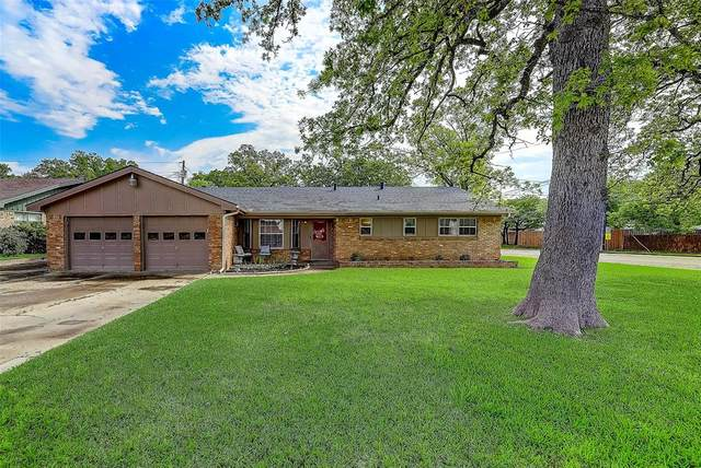45 Regents Park, Bedford, TX 76022 (MLS #14308330) :: The Chad Smith Team