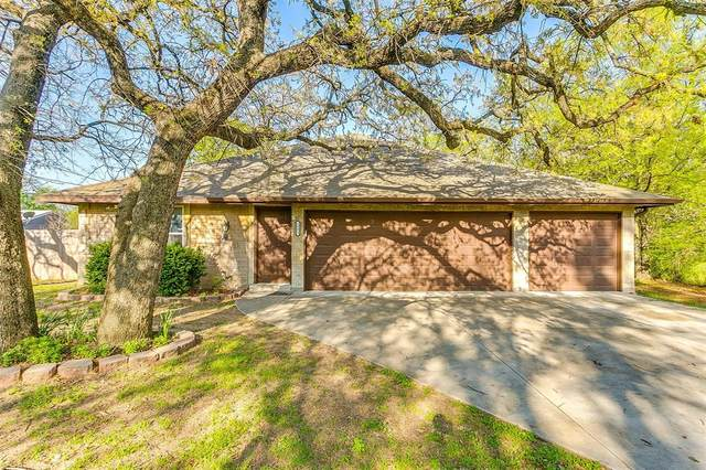 3003 Mohawk Trail, Lake Worth, TX 76135 (MLS #14308379) :: The Kimberly Davis Group