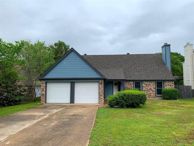 1706 Woodhollow Drive, Euless, TX 76039 (MLS #14308816) :: Trinity Premier Properties