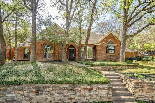 3204 Oak Tree Lane, Grapevine, TX 76051 (MLS #14308897) :: RE/MAX Pinnacle Group REALTORS