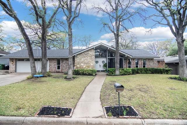 820 Wheelwood Drive, Hurst, TX 76053 (MLS #14309543) :: The Chad Smith Team