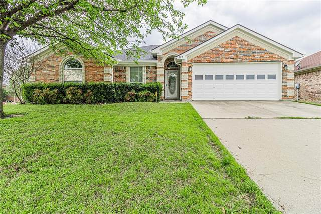 825 Morgan Drive, Burleson, TX 76028 (MLS #14309558) :: Potts Realty Group