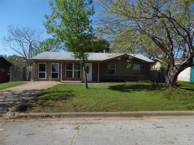 704 Oak Drive, Hurst, TX 76053 (MLS #14309624) :: The Chad Smith Team