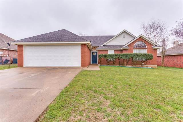 215 Dove Meadows Lane, Krum, TX 76249 (MLS #14309853) :: The Mauelshagen Group