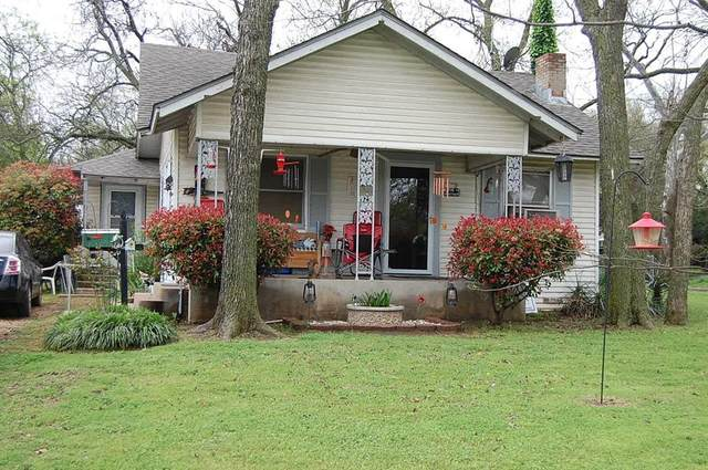 929 N Buffalo Avenue, Cleburne, TX 76033 (MLS #14309974) :: The Kimberly Davis Group