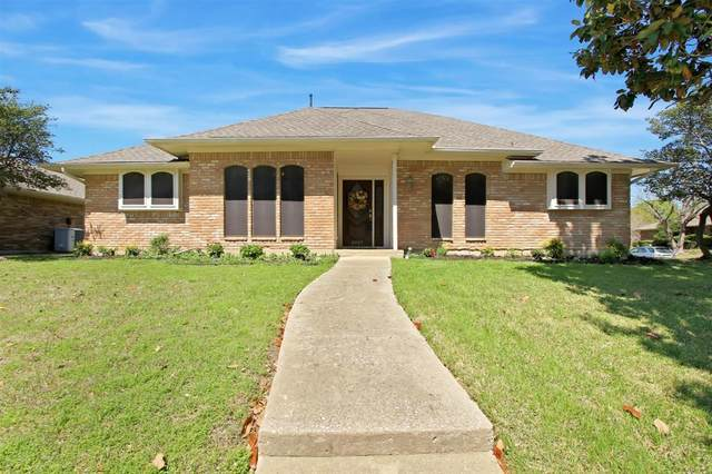 3927 Vista Woods Circle, Carrollton, TX 75007 (MLS #14310006) :: Post Oak Realty
