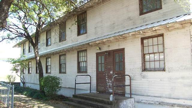 946 Pegram Street, Mineral Wells, TX 76067 (MLS #14310094) :: Real Estate By Design