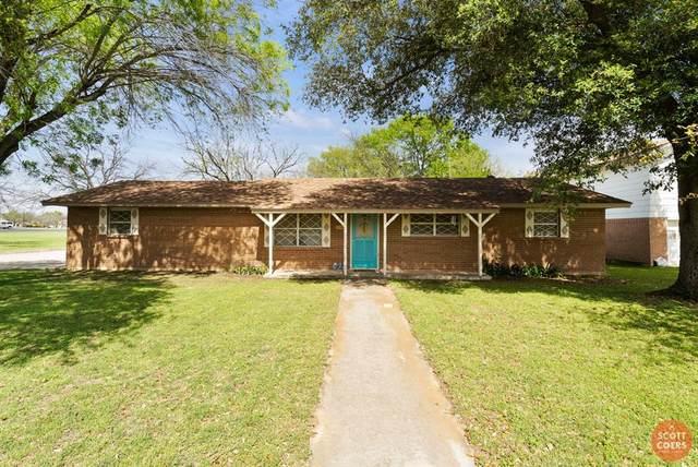 2100 17th Street, Brownwood, TX 76801 (MLS #14310238) :: The Kimberly Davis Group