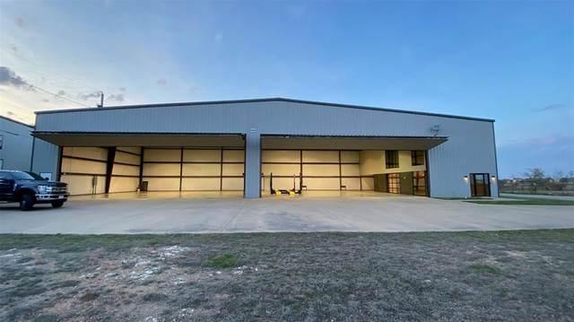 900 Aviator Drive, Fort Worth, TX 76179 (MLS #14310445) :: Post Oak Realty