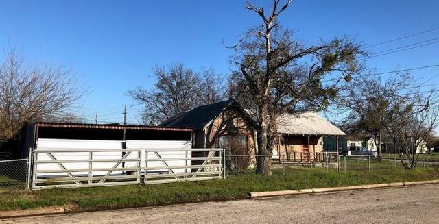 705 SE 5th Avenue, Mineral Wells, TX 76067 (MLS #14310673) :: The Kimberly Davis Group