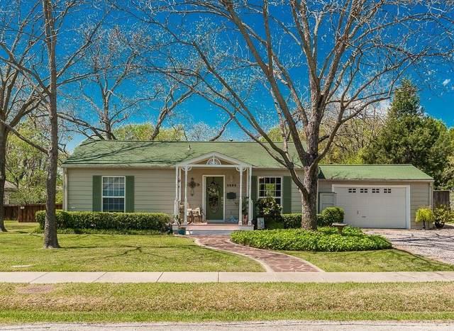 1707 Willow Road, Carrollton, TX 75006 (MLS #14310753) :: HergGroup Dallas-Fort Worth