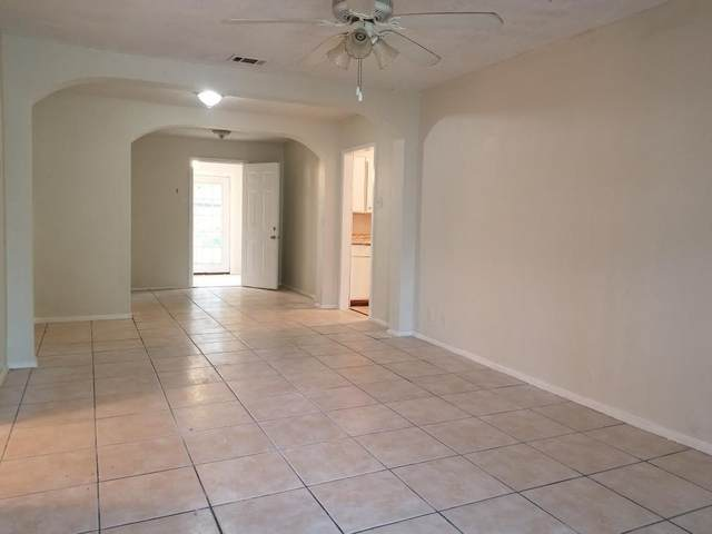 1629 Ash Street, Grand Prairie, TX 75050 (MLS #14310920) :: HergGroup Dallas-Fort Worth