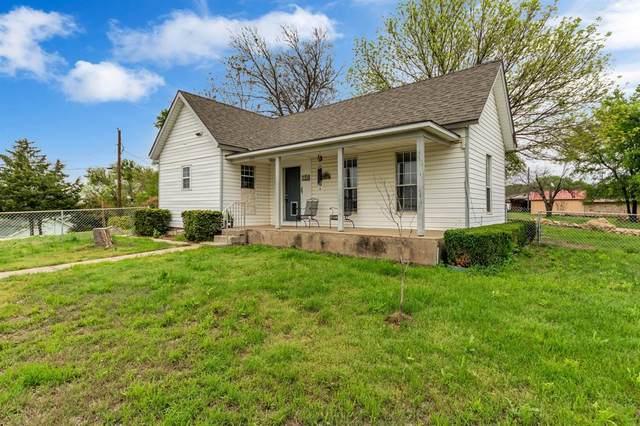 406 S Shoreline Drive, Bridgeport, TX 76426 (MLS #14310937) :: The Kimberly Davis Group