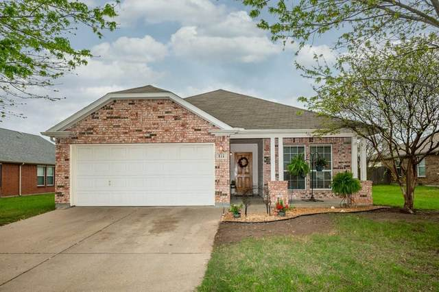 111 Bear Trail, Waxahachie, TX 75165 (MLS #14311367) :: The Kimberly Davis Group