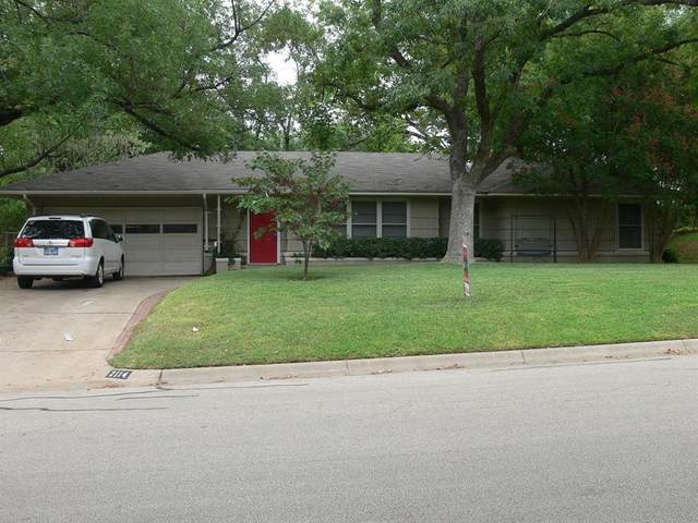 2114 Robinwood Lane, Denton, TX 76209 (MLS #14311675) :: Baldree Home Team