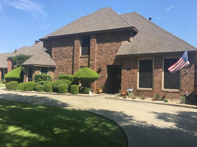 1502 7th Street, Grand Prairie, TX 75050 (MLS #14311841) :: Potts Realty Group