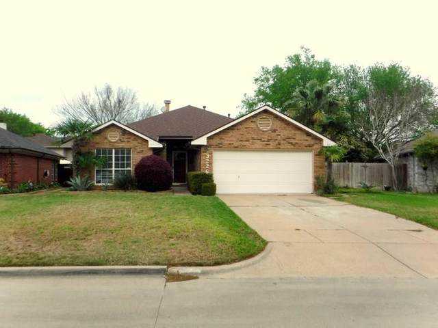 3226 Wuthering Circle, Grand Prairie, TX 75052 (MLS #14311989) :: The Chad Smith Team