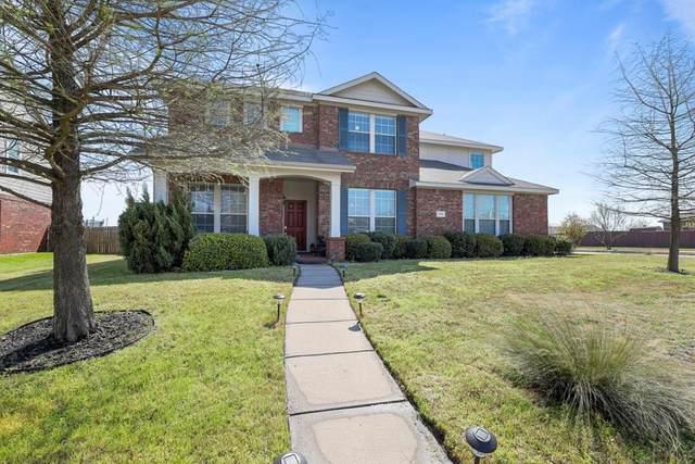 2101 Songbird Drive, Forney, TX 75126 (MLS #14311997) :: The Mauelshagen Group