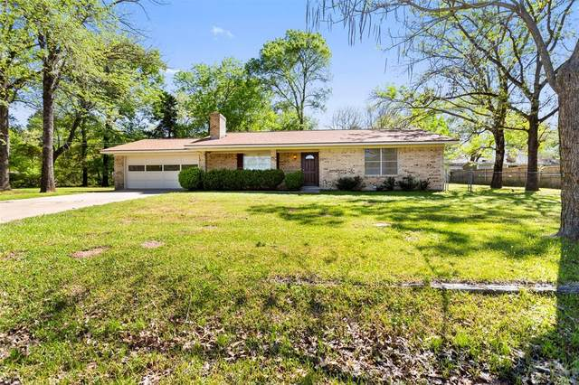 103 W Bayside Drive, Mabank, TX 75156 (MLS #14312071) :: The Mitchell Group