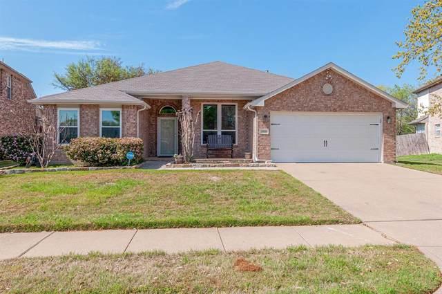 3909 Larkspur Drive, Haltom City, TX 76137 (MLS #14312142) :: The Good Home Team