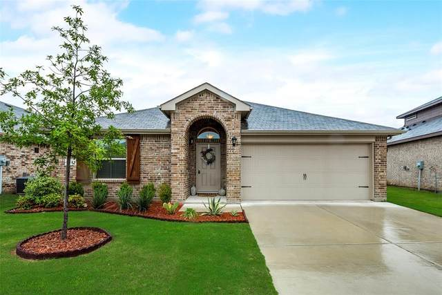 1125 Autumnwood Drive, Azle, TX 76020 (MLS #14312156) :: The Chad Smith Team