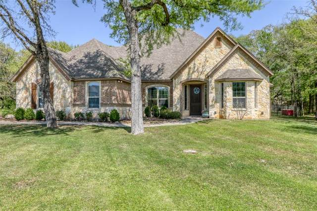 107 Foxpointe Circle, Weatherford, TX 76087 (MLS #14312213) :: The Good Home Team