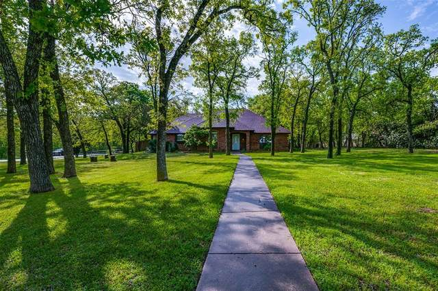 237 Saddle Hills Road, Burleson, TX 76028 (MLS #14312525) :: Potts Realty Group