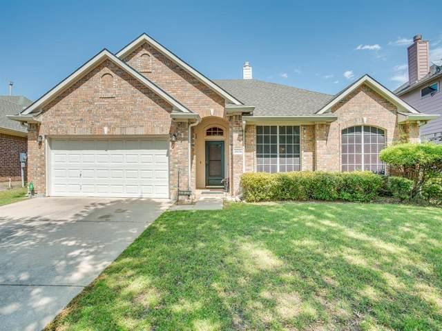 2926 Hastings Drive, Grand Prairie, TX 75052 (MLS #14312558) :: Baldree Home Team