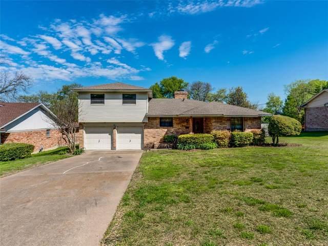201 W Lanett Drive, Desoto, TX 75115 (MLS #14312574) :: Tenesha Lusk Realty Group