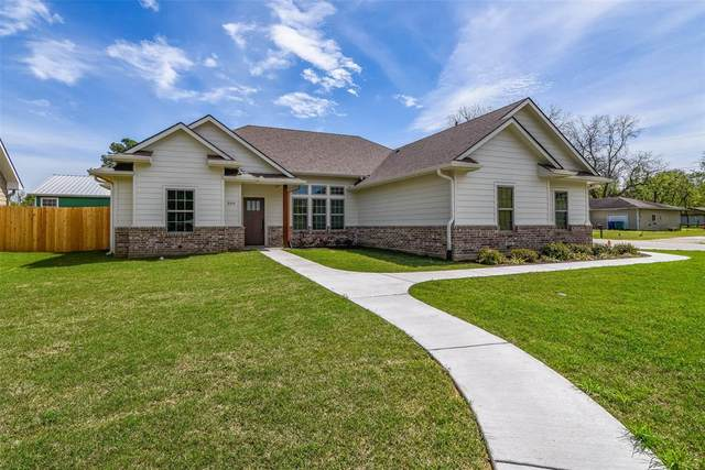 309 Magnolia, Pottsboro, TX 75076 (MLS #14312714) :: The Kimberly Davis Group
