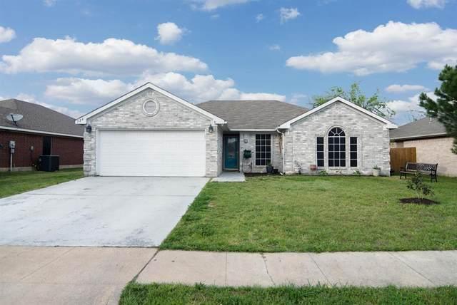 524 Cambridge Drive, Saginaw, TX 76179 (MLS #14312744) :: The Kimberly Davis Group