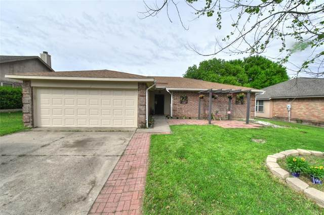 10112 Stoney Bridge Road, Fort Worth, TX 76108 (MLS #14313083) :: Real Estate By Design