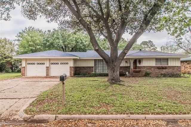 1132 Mason Drive, Hurst, TX 76053 (MLS #14313835) :: The Kimberly Davis Group