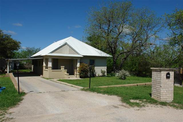 1800 Sixth, Goldthwaite, TX 76844 (MLS #14313846) :: The Chad Smith Team