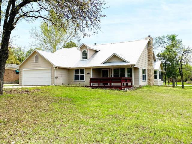 317 Kiowa Drive E, Lake Kiowa, TX 76240 (MLS #14313902) :: All Cities USA Realty