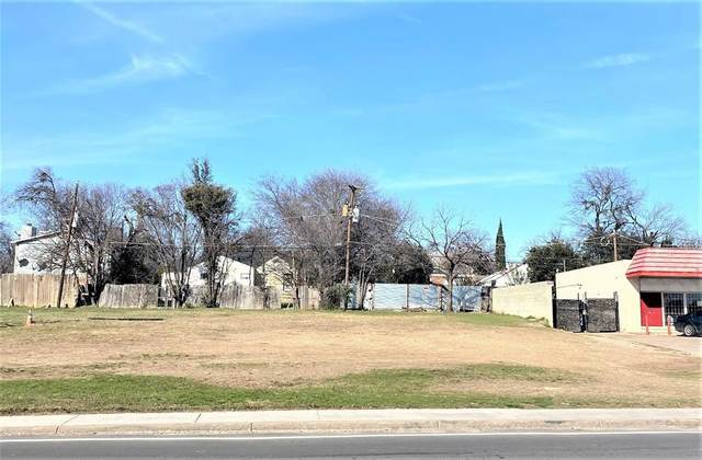 3225 E Lancaster Avenue, Fort Worth, TX 76103 (MLS #14313977) :: The Chad Smith Team