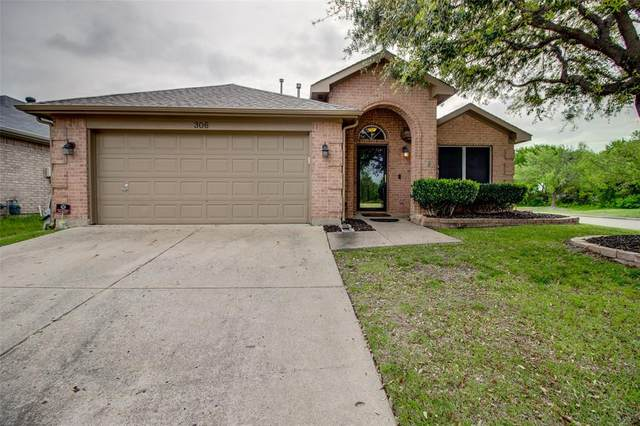 306 Hampstead Drive, Wylie, TX 75098 (MLS #14313983) :: Tenesha Lusk Realty Group