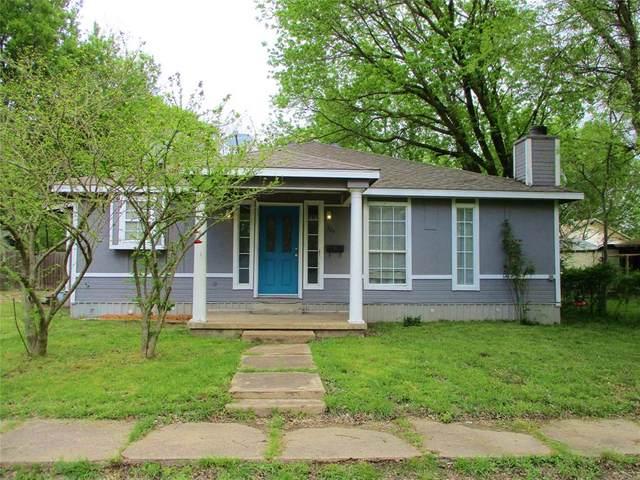 704 S 4th Street, Bonham, TX 75418 (MLS #14314003) :: Ann Carr Real Estate