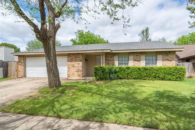 4113 Staghorn Circle S, Fort Worth, TX 76137 (MLS #14314093) :: NewHomePrograms.com LLC
