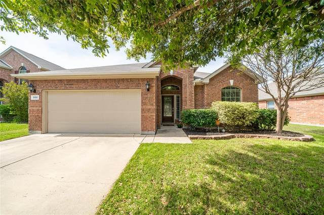 800 W Bend Boulevard, Burleson, TX 76028 (MLS #14314223) :: The Chad Smith Team