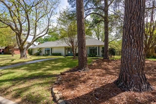 605 Tennyson Trail, Denton, TX 76205 (MLS #14314243) :: Team Tiller