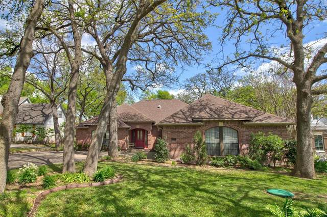 121 Modoc Trail, Lake Kiowa, TX 76240 (MLS #14314341) :: The Kimberly Davis Group